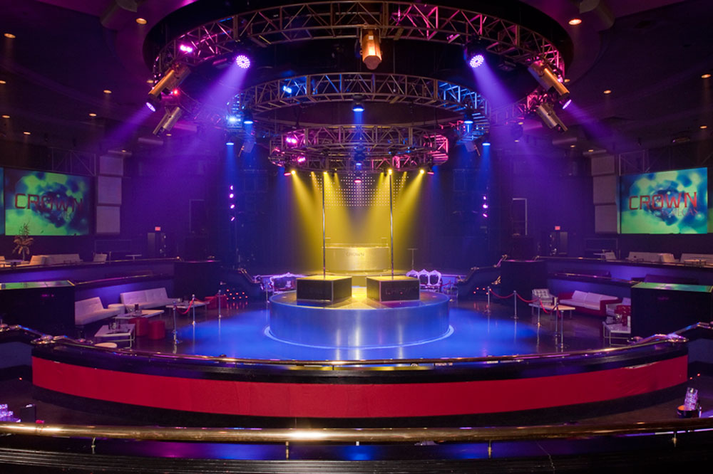 Nightclub Crown Theater / La joya de la corona